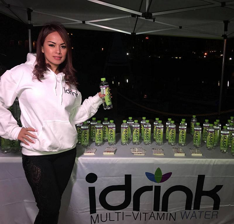 In December, Dixie worked as a Promotional Model for iDrink and made appearances with them at Lake Las Vegas, Greens & Proteins and Evolution Yoga.
